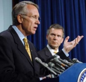 Senator Reid, left, and Senate Majority Leader Tom Daschle